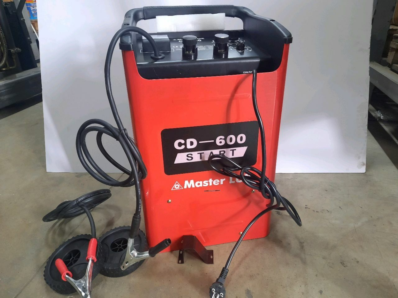 Aparat electric de demarare/ încărcare CD-600
