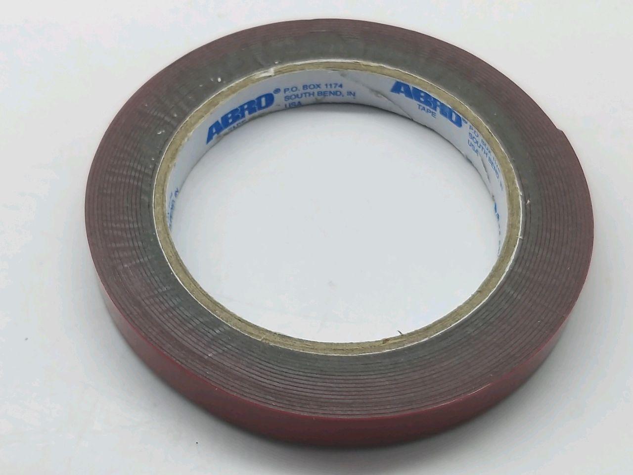 Banda cu clei din doua parti 12mmX5m
