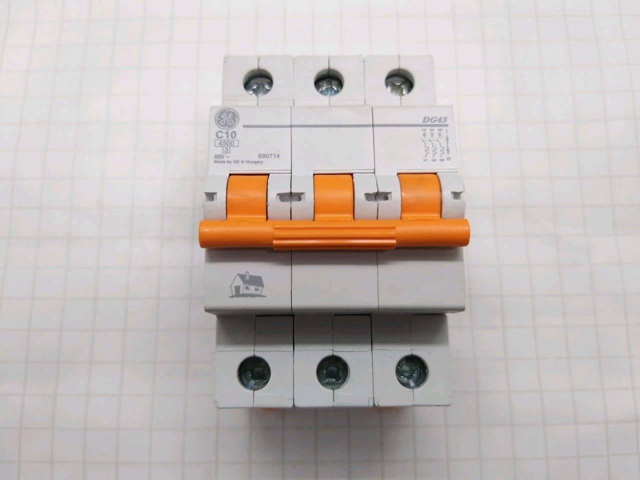 Bec DG43N C10 3-poli