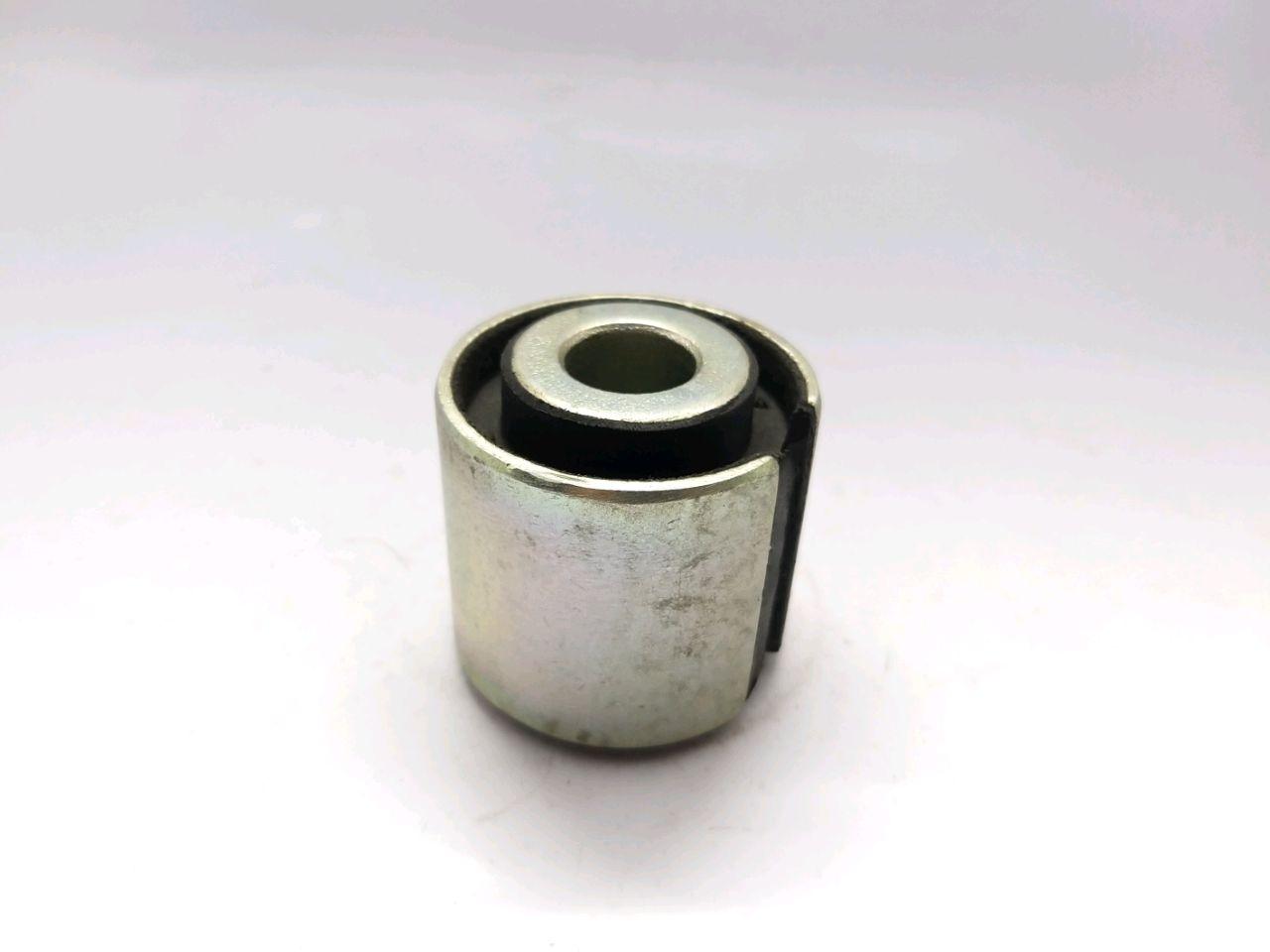 Bucşa amortizorului de vibraţie MAN (16x47x40/47)