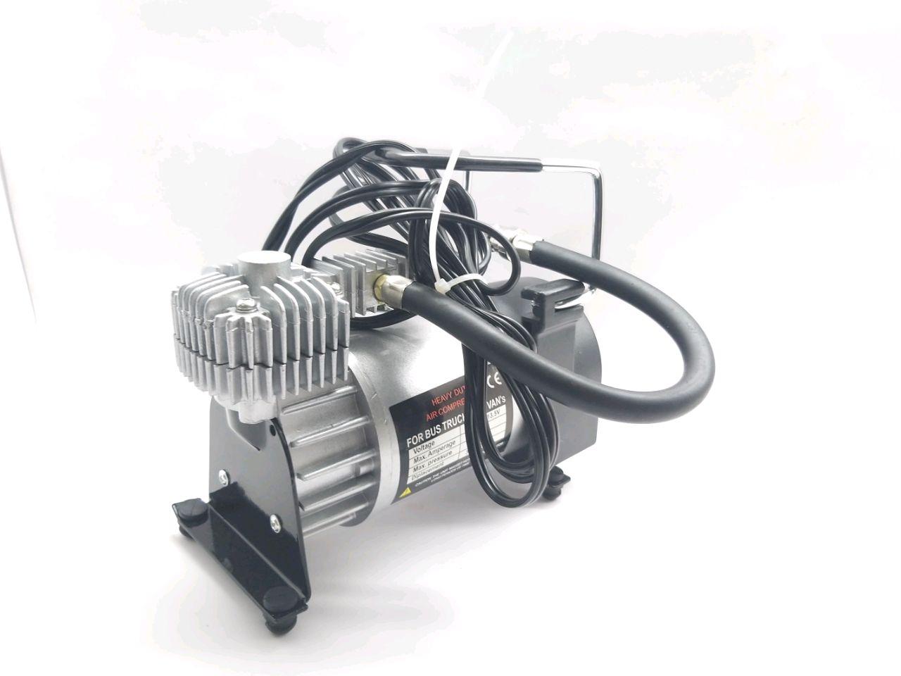 Compresor auto 12 V + trusă