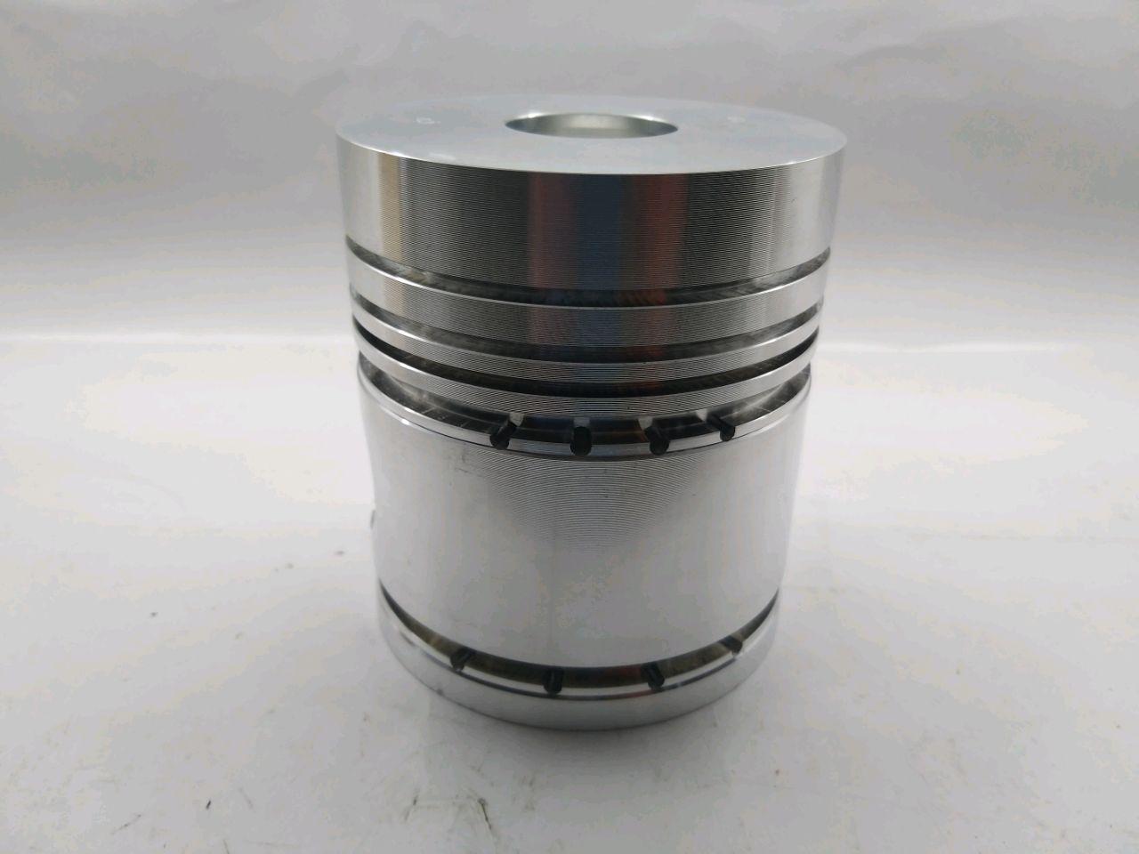 Piston de motor D-240 (5-caneluri)
