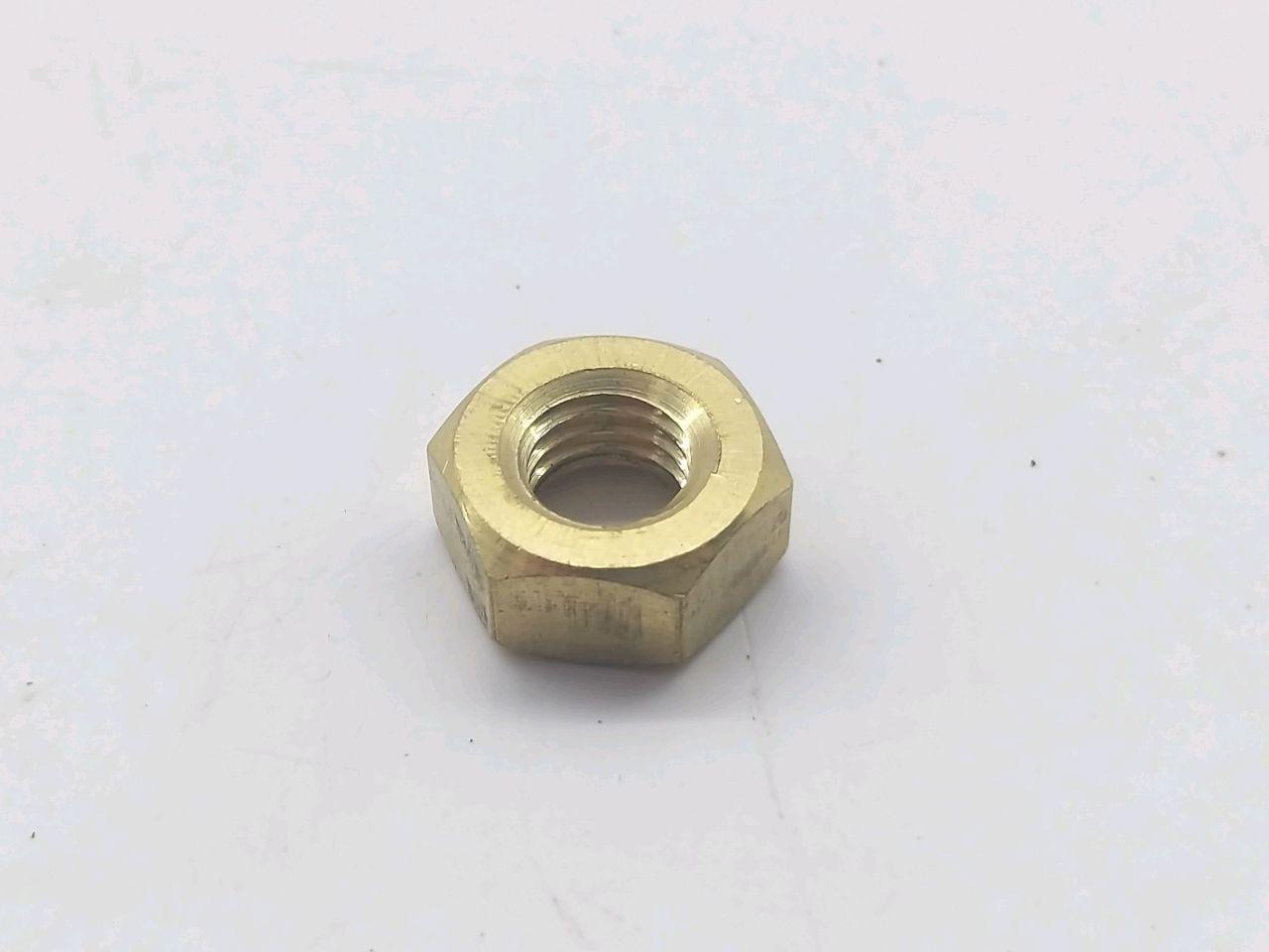 Piulita латунная M10 DIN934